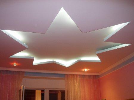 Спальня с матовым натяжным потолком