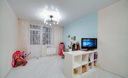 Детская комната с сатиновым натяжным потолком
