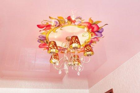 Детская с виниловой наклейкой на потолке