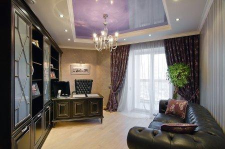 Фиолетовый потолок в кабинете