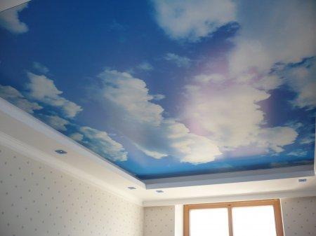 Фотопечать на натяжном потолке (небо)