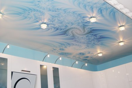 Фотопечать на потолке для кухни