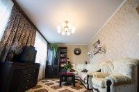 Гостиная с сатиновым потолком