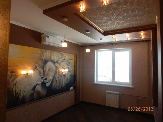 Комбинированный потолок для спальни