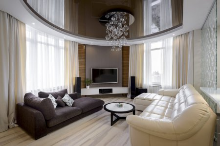 Коричневый натяжной потолок для гостиной
