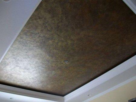 Кожаный потолок в кабинете