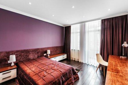 Матовый белый потолок для спальни