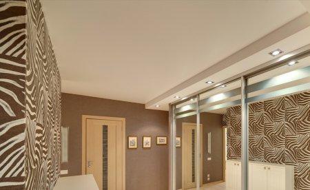 Матовый натяжной потолок для прихожей