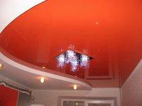 Многоуровневый натяжной потолок для кухни