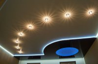 Многоуровневый потолок в кабинете