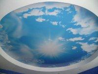 Натяжной потолок с фотопечатью (небо)