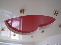 Натяжной потолок в форме сердца