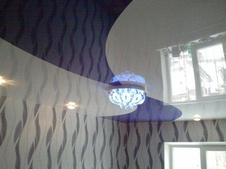 Одноуровневый натяжной потолок для спальни