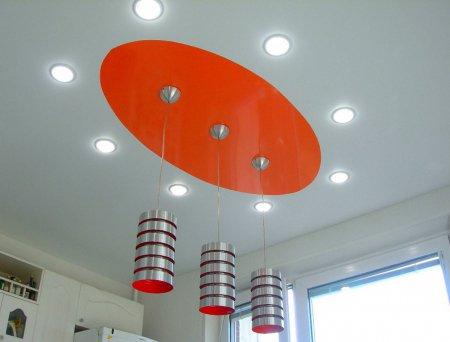 Овальный потолок на кухне