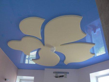 Резной потолок в детской комнате