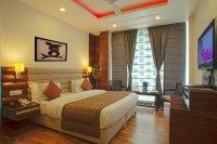 Сатиновый потолок для спальни