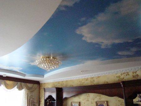 Сатиновый потолок с фотопечатью неба