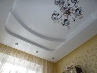 Сатиновый потолок в кабинете