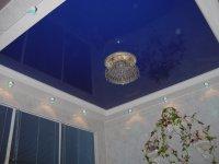 Синий натяжной потолок в офисе