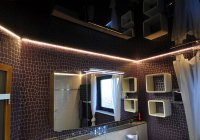 Ванная комната с черным натяжным потолком