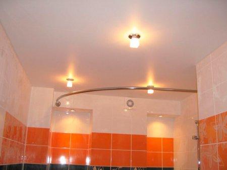 Ванная комната с сатиновым натяжным потолком
