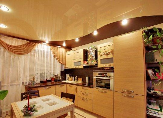 Волнообразный натяжной потолок