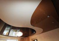 Волнообразный потолок для гостиной